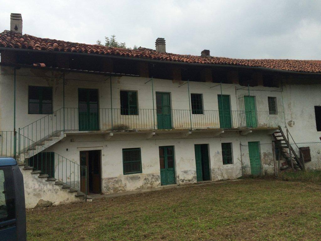 Rustico / Casale da ristrutturare in vendita Rif. 5233033