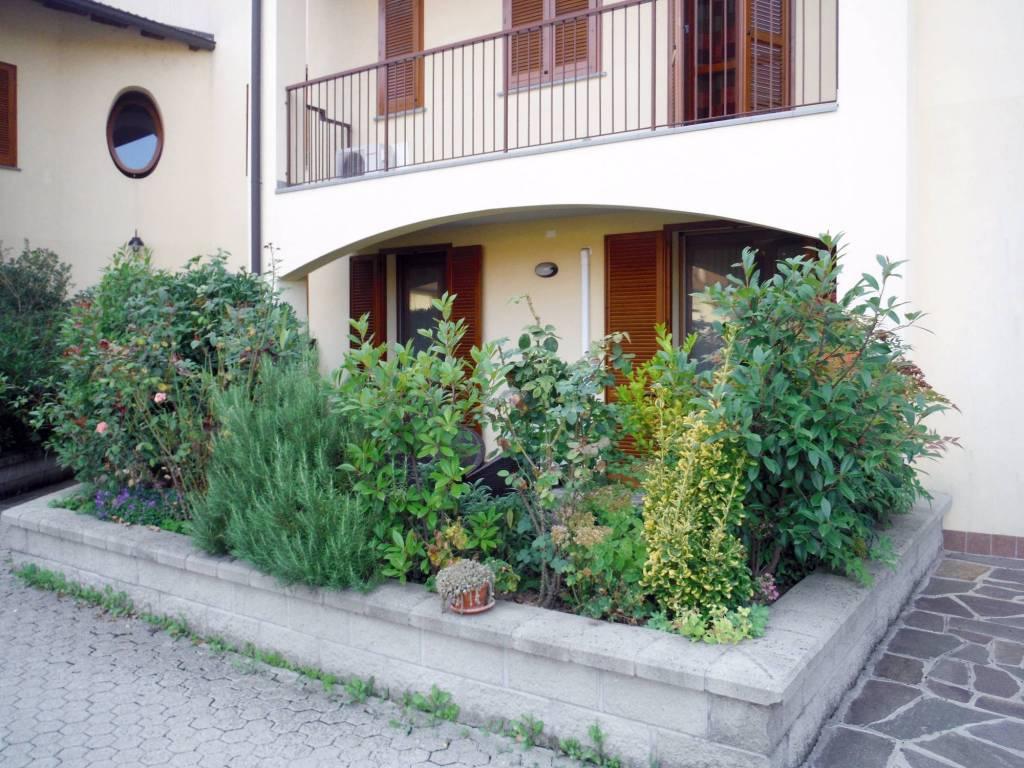Appartamento parzialmente arredato in vendita Rif. 9285305