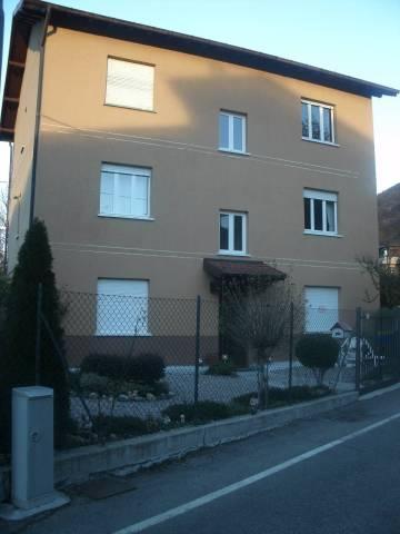 Appartamento in vendita a Porto Ceresio, 2 locali, prezzo € 105.000   CambioCasa.it