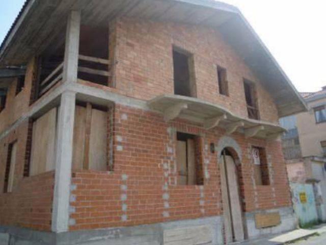 Villa in vendita a Nichelino, 5 locali, prezzo € 145.000 | CambioCasa.it