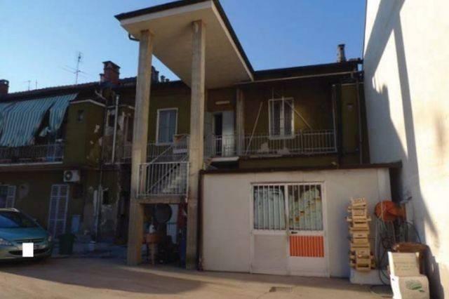 Immobile Commerciale in vendita a Nichelino, 4 locali, prezzo € 80.000   Cambio Casa.it