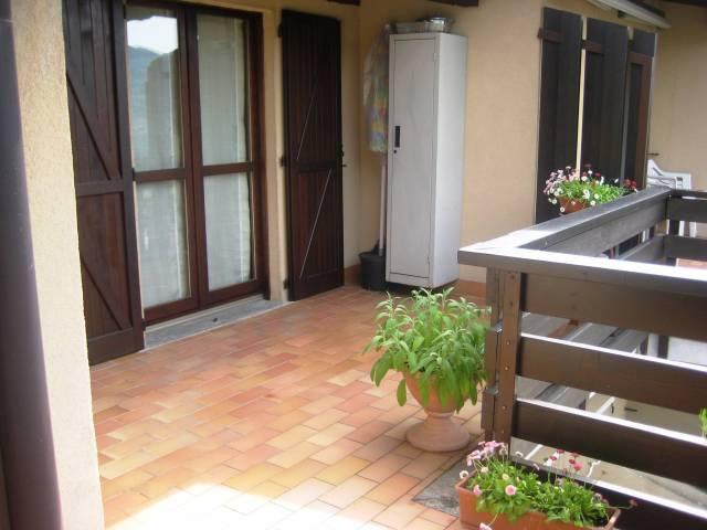 Appartamento in ottime condizioni arredato in vendita Rif. 4937923