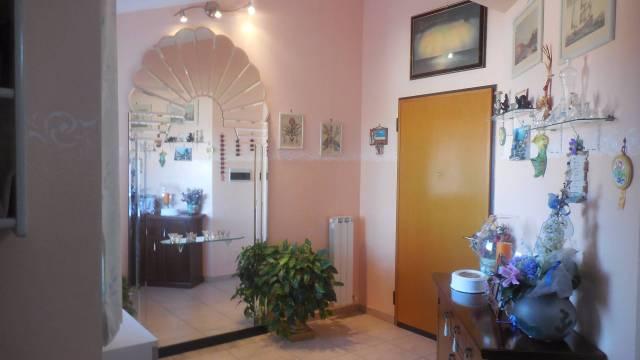 Appartamento in ottime condizioni in vendita Rif. 4230202