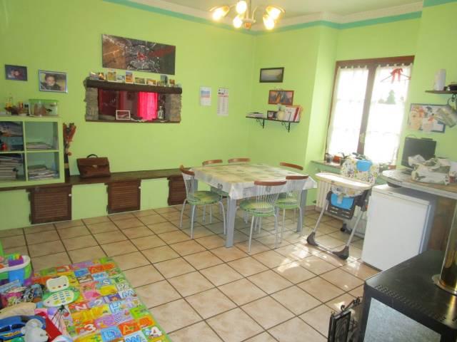 Appartamento in ottime condizioni in vendita Rif. 4183065