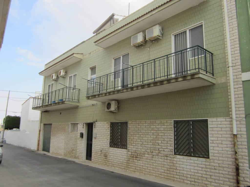 Appartamento in ottime condizioni in vendita Rif. 4186191