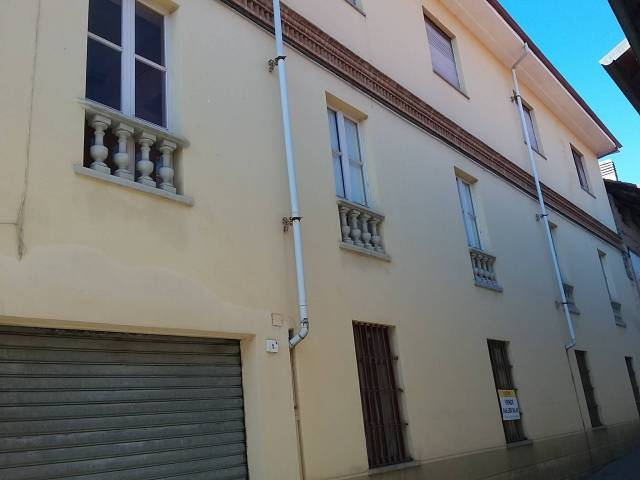 Appartamento in buone condizioni in vendita Rif. 4183066
