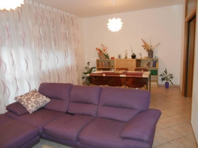 Appartamento in ottime condizioni parzialmente arredato in vendita Rif. 4261120