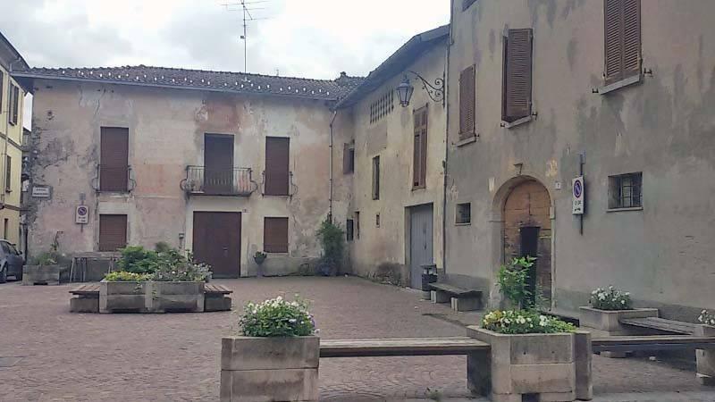 Rustico / Casale in vendita a Cassano Valcuvia, 16 locali, prezzo € 99.000 | PortaleAgenzieImmobiliari.it