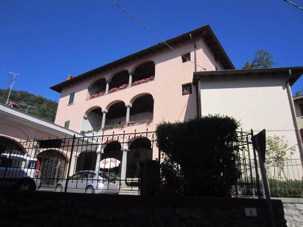 Appartamento in vendita a Bellagio, 7 locali, prezzo € 180.000   PortaleAgenzieImmobiliari.it
