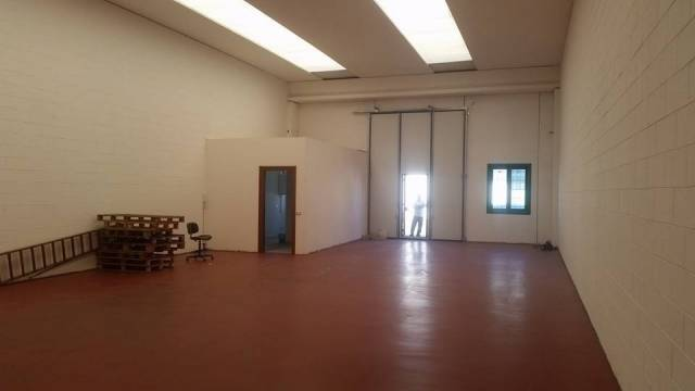 Capannone nuovo di mq 200 in affitto a Trezzano S/N Rif. 6966592