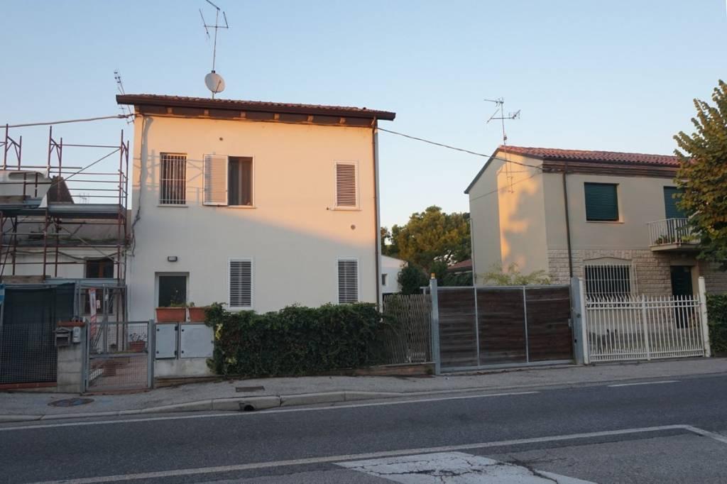 Appartamento in vendita a Ravenna, 2 locali, prezzo € 80.000 | CambioCasa.it