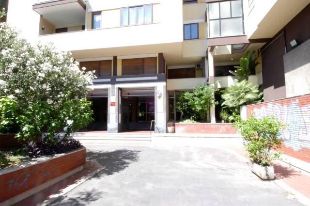 Ufficio quadrilocale in affitto a Palermo (PA)