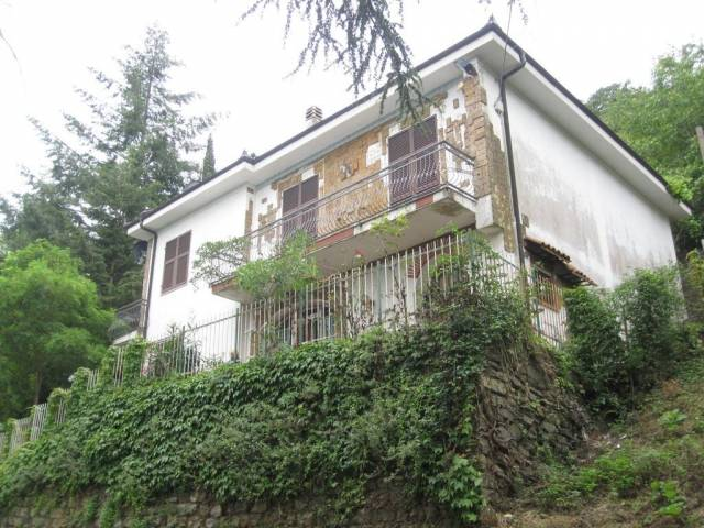 Villa in vendita a Caravonica, 5 locali, prezzo € 245.000 | CambioCasa.it