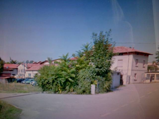 Terreno in vendita a Gazzada Schianno-https://res.getrix.it/media/ad/58339827/1/xs.jpg