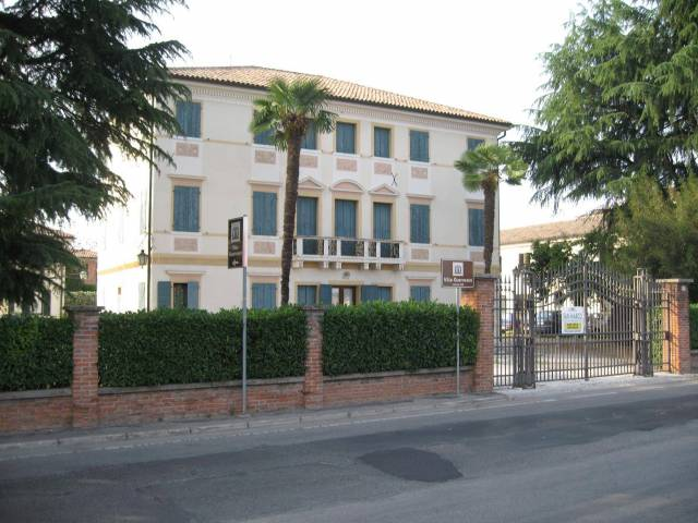 Ufficio / Studio in affitto a Montebelluna, 5 locali, prezzo € 1.000 | Cambio Casa.it