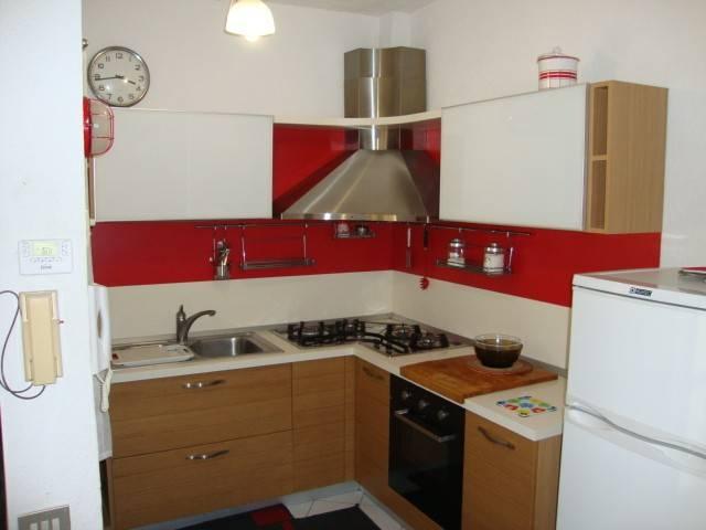 Appartamento in buone condizioni arredato in affitto Rif. 7107956