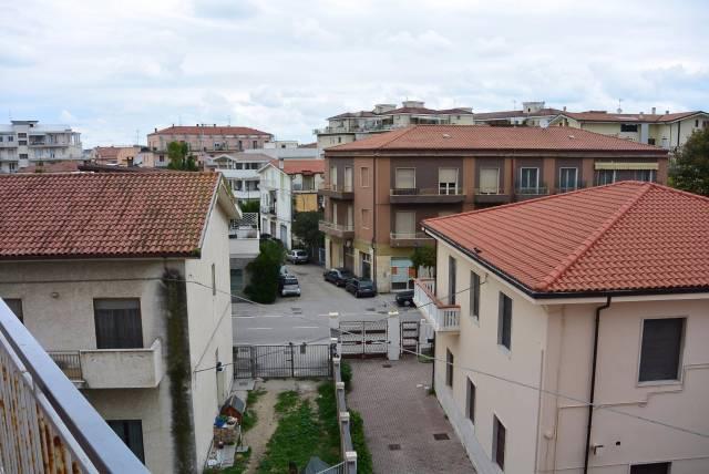 Bilocale Pescara Viale D'avalos 11