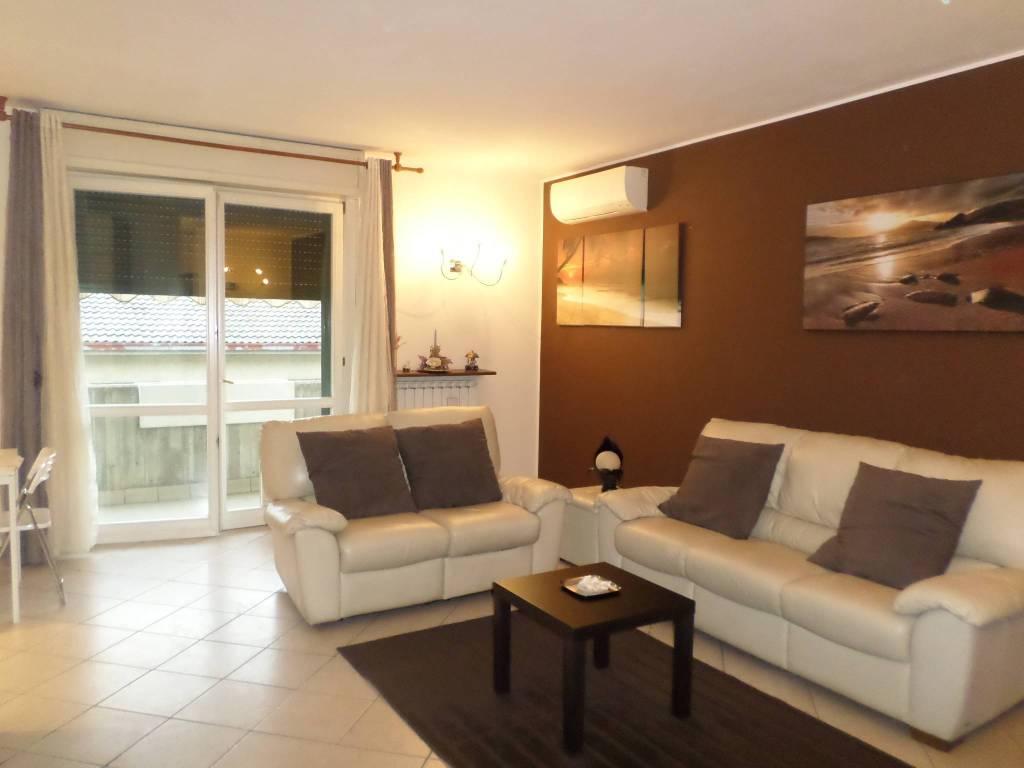Appartamento in vendita a Costa di Mezzate, 4 locali, prezzo € 149.000 | CambioCasa.it
