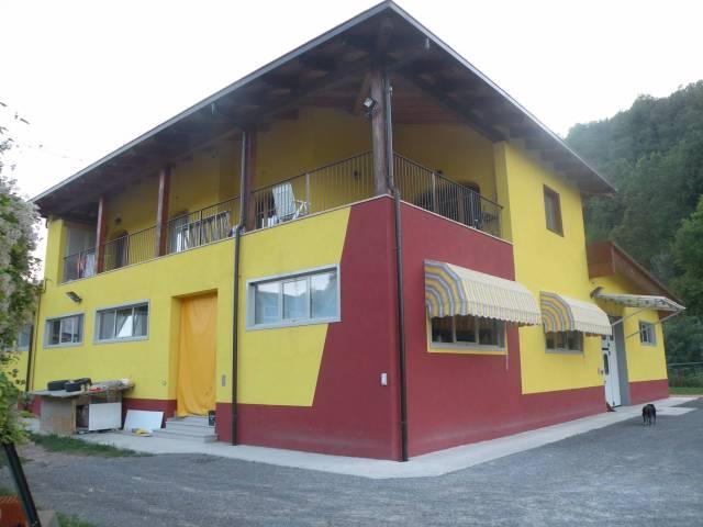 Capannone in vendita a Castellinaldo, 6 locali, prezzo € 848.000   CambioCasa.it