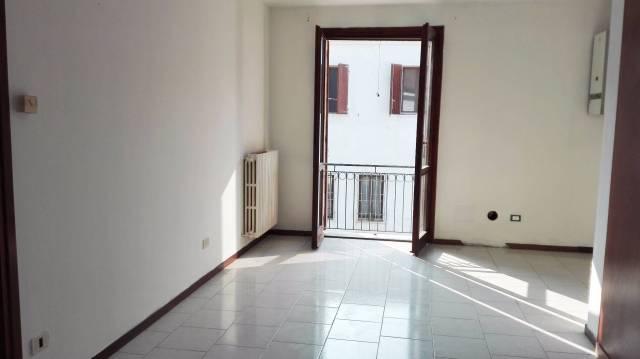 Appartamento in buone condizioni in vendita Rif. 4805900