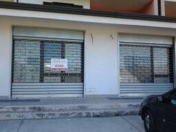 Negozio / Locale in vendita a Vairano Patenora, 1 locali, prezzo € 200.000   CambioCasa.it