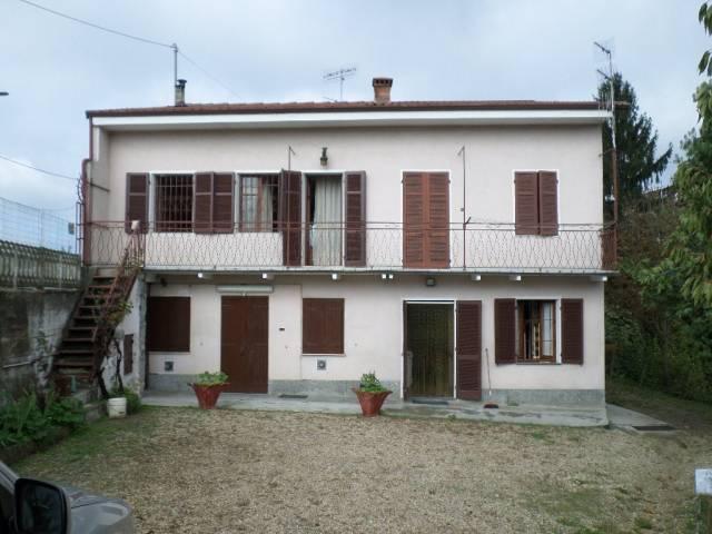 Appartamento in vendita a Santo Stefano Roero, 4 locali, prezzo € 79.000 | CambioCasa.it