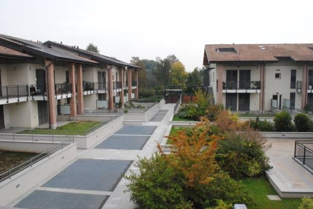Appartamento in affitto a Rodano, 3 locali, prezzo € 800 | CambioCasa.it