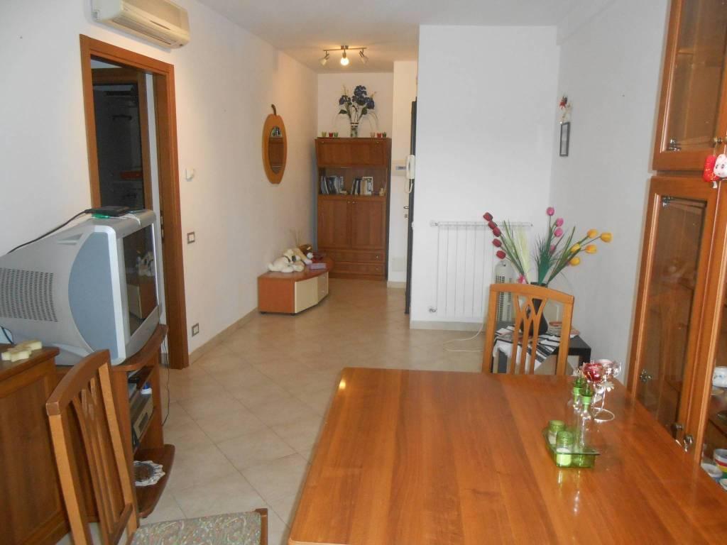 Appartamento in ottime condizioni arredato in affitto Rif. 7794323