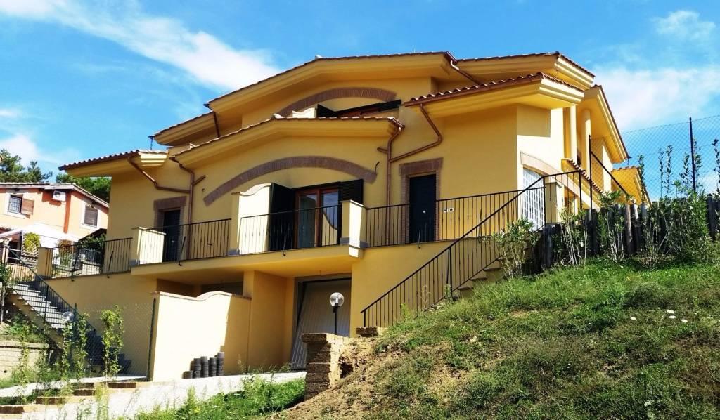 Villa a Schiera in vendita a Formello, 4 locali, prezzo € 229.000   CambioCasa.it