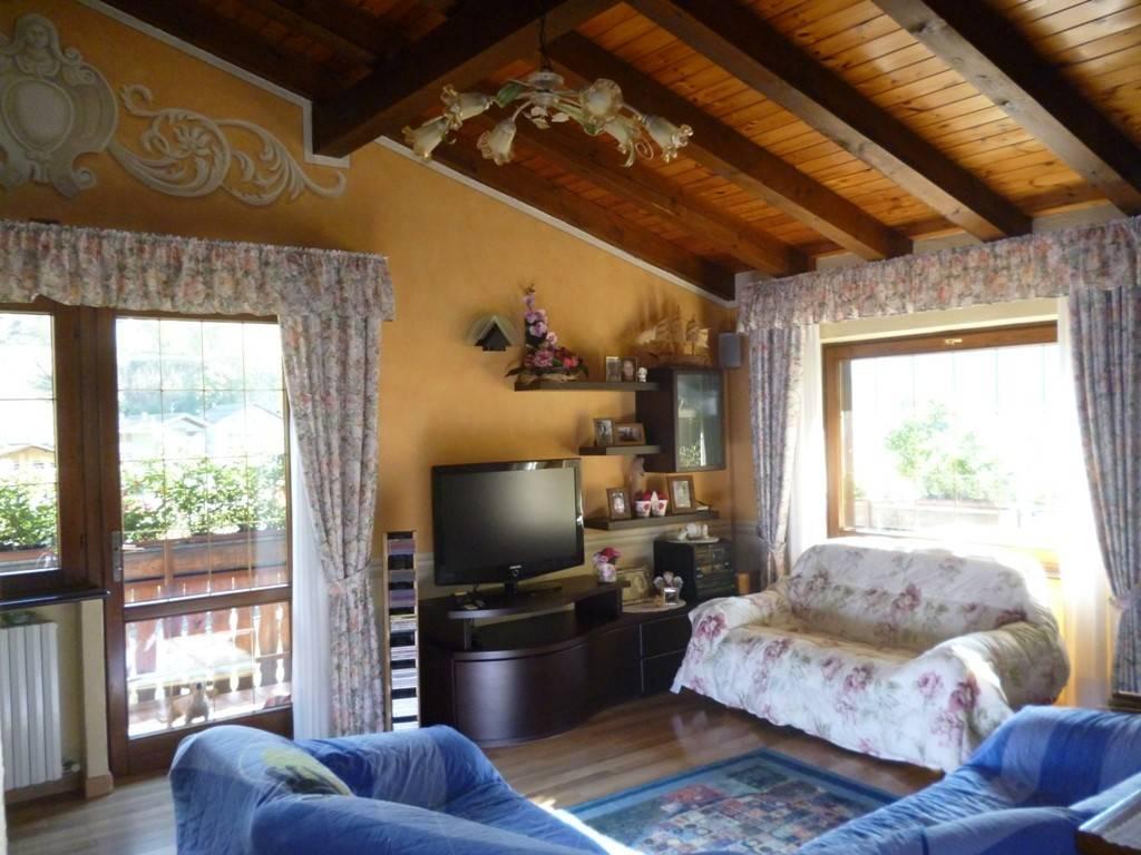 Attico / Mansarda in vendita a Ponte di Legno, 4 locali, prezzo € 250.000 | PortaleAgenzieImmobiliari.it