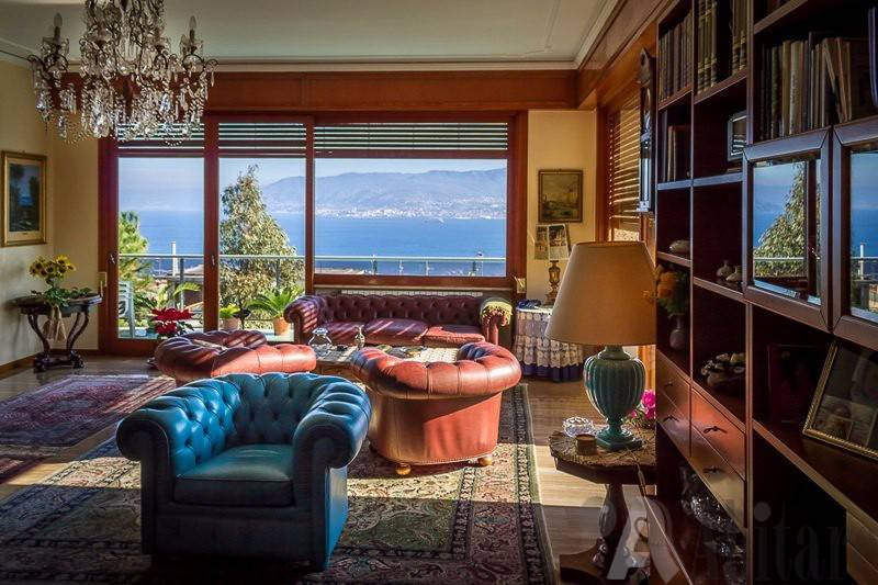 Appartamento in vendita a Messina, 6 locali, prezzo € 470.000   CambioCasa.it