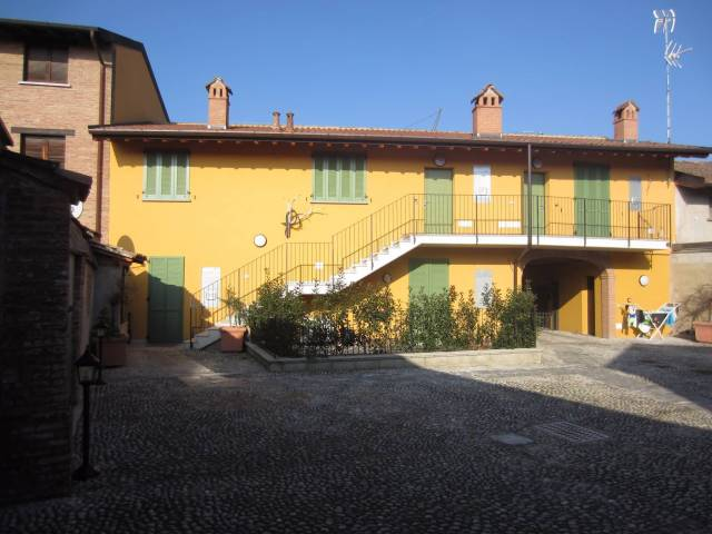 Bilocale Motta Visconti Via Gigi Borgomaneri 8