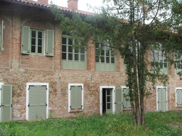 Foto 1 di Palazzo / Stabile Brusasco