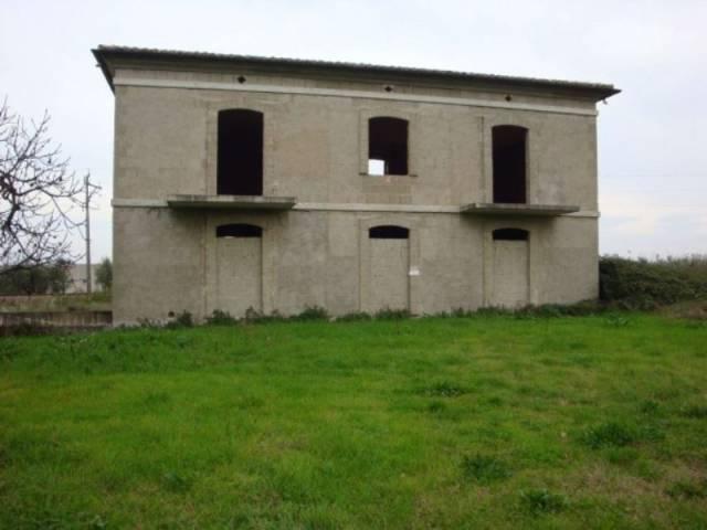 Rustico / Casale da ristrutturare in vendita Rif. 4397344