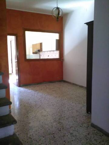 Appartamento in buone condizioni parzialmente arredato in vendita Rif. 4380567