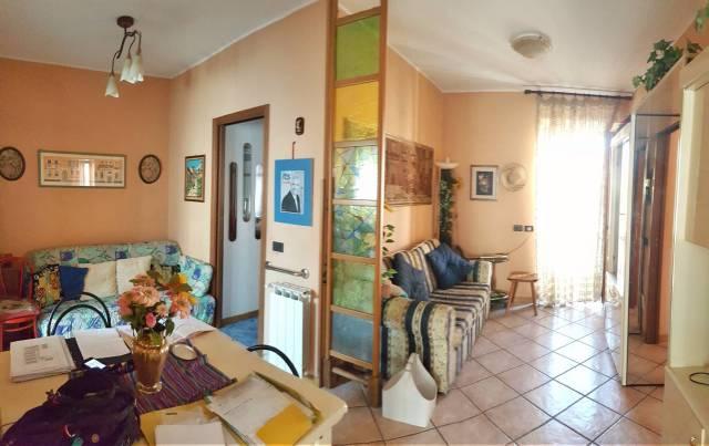 Appartamento in buone condizioni arredato in vendita Rif. 6950211