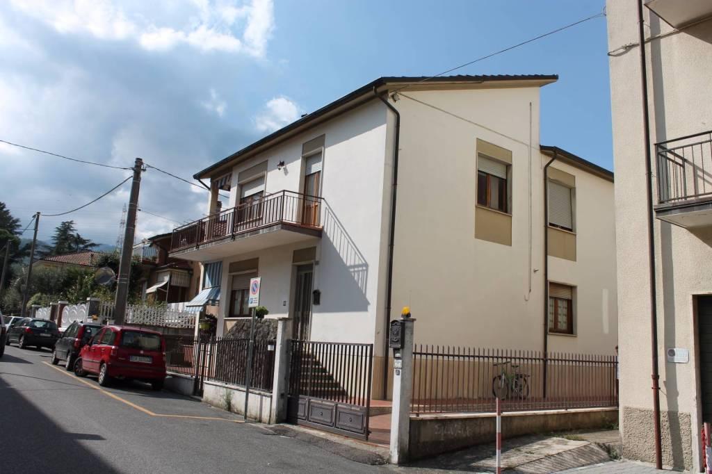 Appartamento in vendita a Pontremoli, 4 locali, prezzo € 250.000 | PortaleAgenzieImmobiliari.it