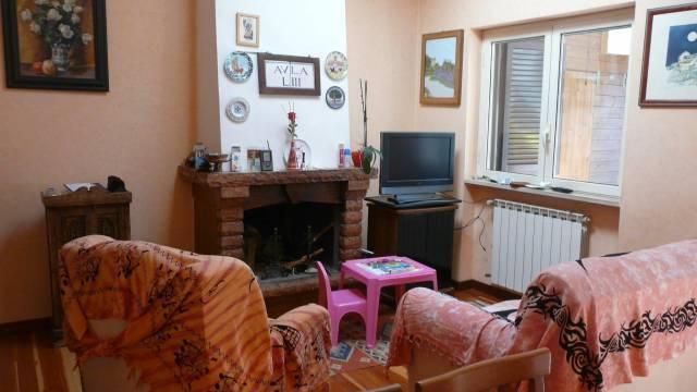 Villa in vendita a Ladispoli, 4 locali, prezzo € 270.000 | Cambio Casa.it