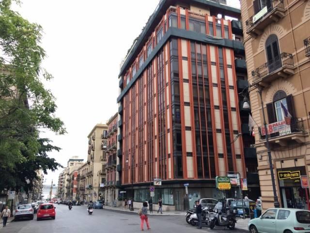 Ufficio-studio in Vendita a Palermo Centro: 5 locali, 280 mq