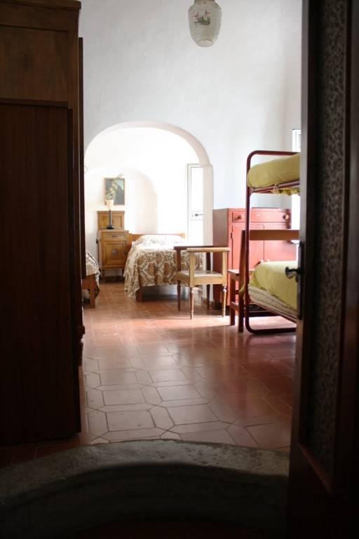 Appartamento in buone condizioni parzialmente arredato in vendita Rif. 7493257