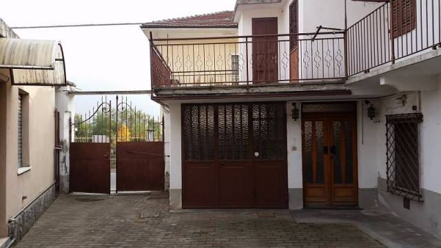 Rustico / Casale in buone condizioni in vendita Rif. 4287325