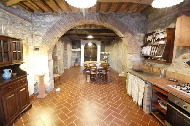 Appartamento in ottime condizioni arredato in affitto Rif. 4343293
