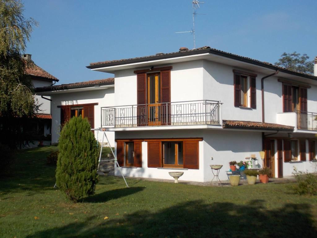 Villa in vendita a Chignolo Po, 8 locali, prezzo € 290.000   PortaleAgenzieImmobiliari.it