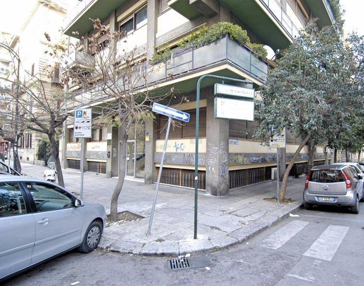Via P.pe di Villafranca - Ufficio 70mq, 3 locali Rif. 8896014