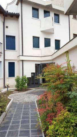 Casa indipendente 6 locali in vendita a Oderzo (TV)