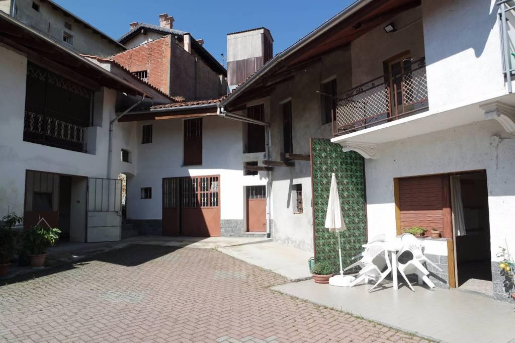 Foto 1 di Rustico / Casale via Angiono Foglietti 47, Moncrivello
