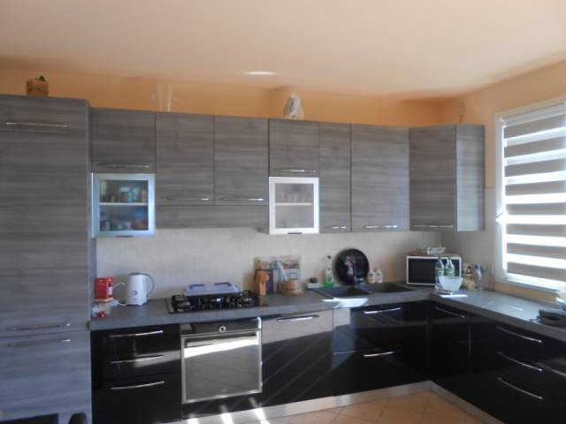 Appartamento in ottime condizioni parzialmente arredato in vendita Rif. 4261122