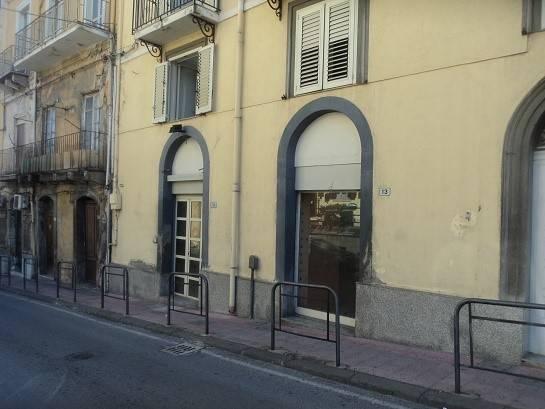 Negozio / Locale in affitto a Patti, 2 locali, Trattative riservate | CambioCasa.it