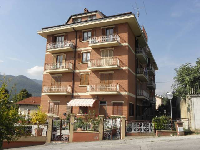 Appartamento da ristrutturare in vendita Rif. 4829755