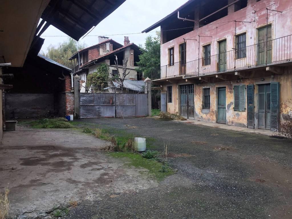Rustico / Casale da ristrutturare in vendita Rif. 4439401
